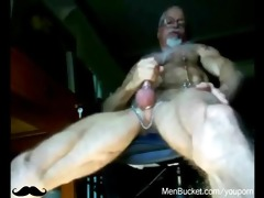 daddies and bears jerking off on camera