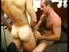 unshaved dad fucking a policeman